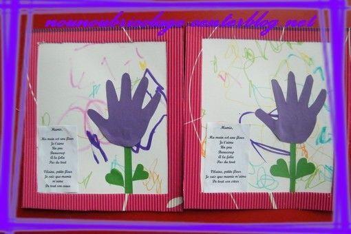 fleur en papier avec les mains